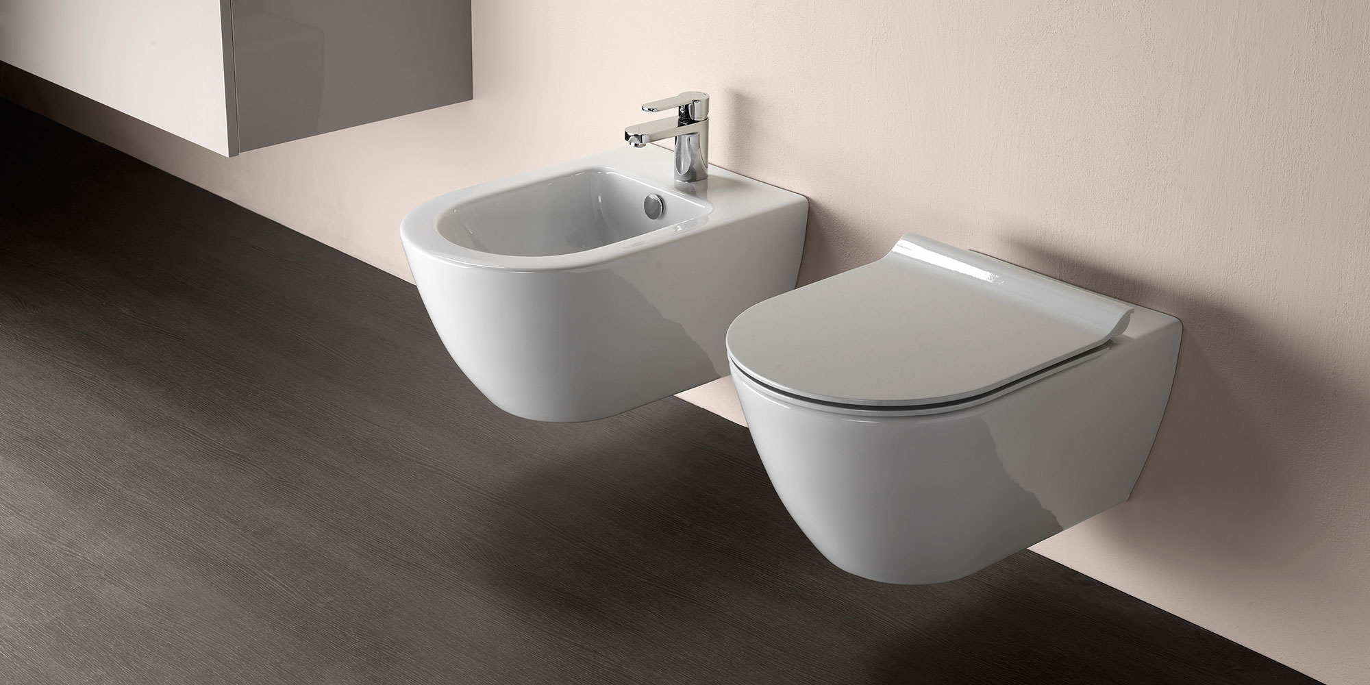 Voda zavěsit záchod